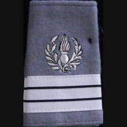 FOURREAU COMMISSARIAT : Fourreau de capitaine du commissariat sur fond gris clair