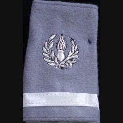 FOURREAU COMMISSARIAT : Fourreau de sous-lieutenant du commissariat sur fond gris clair