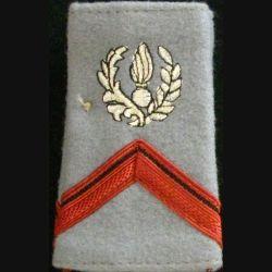 FOURREAU COMMISSARIAT : Fourreau de soldat de 1° classe engagé du commissariat sur fond gris clair