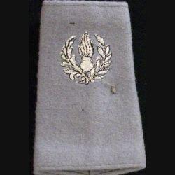 FOURREAU COMMISSARIAT : Fourreau de soldat du commissariat sur fond gris