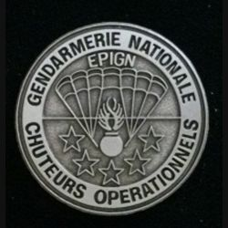 EPIGN : insigne métallique des chuteurs opérationnels de l'escadron parachutiste d'intervention de la Gendarmerie nationale EPIGN de fabrication Boussemart 2005 modèle tout métal vieil argent