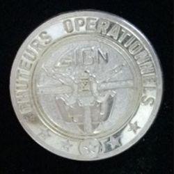 GIGN : insigne métallique du brevet des chuteurs opérationnels du groupe d'intervention de la gendarmerie nationale GIGN de fabrication JMM INSIGNES modèle prestige argent