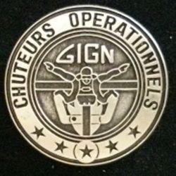 GIGN : insigne métallique du brevet des chuteurs opétrationnels du groupe d'intervention de la gendarmerie nationale GIGN de fabrication JMM INSIGNES