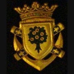 CHÂTEAURENAULT : insigne métallique du contre torpilleurs Châteaurenault de fabrication Drago en émail