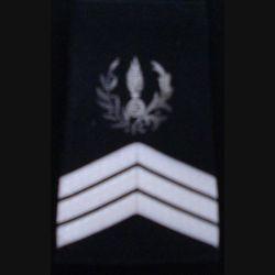 FOURREAU COMMISSARIAT : Fourreau de sergent-chef du commissariat sans barre d'ancienneté sur fond noir