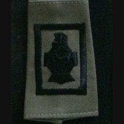FOURREAU COMBAT : insigne tissu de fourreau de combat de la compagnie d'appui noire du 5° régiment du génie cuirasse sans chiffre