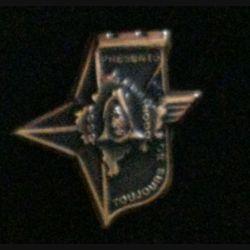 17° RGP CA KFOR : insigne de la compagnie d'appui CA du 17° régiment du génie parachutiste KFOR 1999-2000 tout en bronze massif boléro allongé