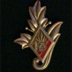 4° REI : insigne du commissariat du 4° régiment étranger d'infanterie couleur rouge en bronze massif tirage dissolution