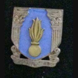 EMIC : insigne de l'école militaire de Cherchell en émail de fabrication Drago rue Béranger (mentionné deux fois au dos)
