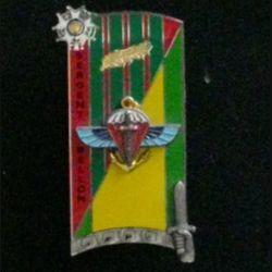 """PROMOTION ENSOA : insigne de la 235° promotion de l'école nationale des sous-officiers d'active """"sergent BELLON"""" de fabrication Arthus Bertrand G. 4921"""