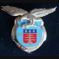 20° RI : insigne métallique du 20° régiment d''infanterie fabriqué par Arthus Bertrand pour les éditions Atlas