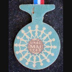 """JOURNEE 1914 - 1918 : insigne cartonné de Jeanne d'Arc au dos mentionné """"Noisy le Sec 12 mai 1929"""""""