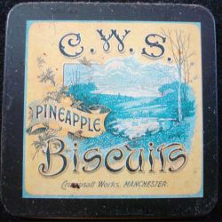 MAGNET FRIGO boite de biscuits C.W.S pineapple Crumpsall works Manchester
