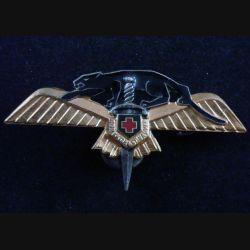 22° EH : insigne métallique du 22° escadron d'hélicoptères de fabrication A.B A. 792 dos embouti et argenté