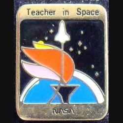 PIN'S NASA : teacher in space Nasa de fabrication taiwan et de hauteur 2 cm