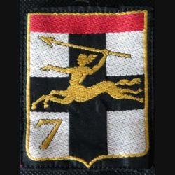 7° DMR : insigne tissu de la 7° division mécanique rapide DMR avec chiffre 7 centaure vers la gauche