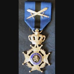 BELGIQUE : grade de chevalier de l'Ordre de Léopold II et avec épées