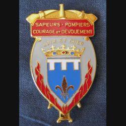 POMPIERS : insigne des sapeurs pompiers du Loir et Cher de fabrication AB Paris