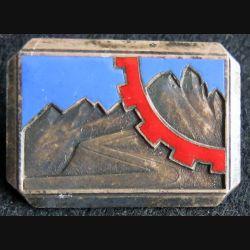 TRAIN 27° DIA : Insigne métallique du Train de la 27° DIA H. 239 en émail