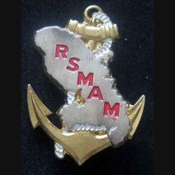 RSMAM MARTINIQUE : insigne métallique du régiment de service militaire adapté de Martinique de fabrication FIA Lyon G. 2489 peint