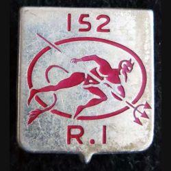 152° RI :152° régiment d'infanterie de fabrication Fraisse G. 477 dos lisse