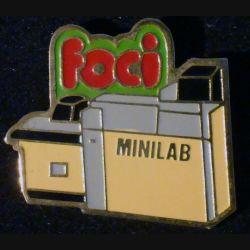 Pin's FOCI : pin's FOCI mini lab 3,4 cm x 2,8 cm de fabrication Loco Motiv