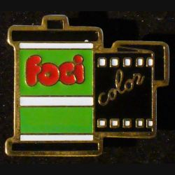 Pin's FOCI : pin's FOCI pellicules photos color 2,4 cm x 2,8 cm de fabrication Loco Motiv