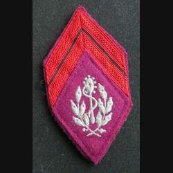 losange de bras modèle 45 : insigne tissu de caporal d'auxiliaire service santé