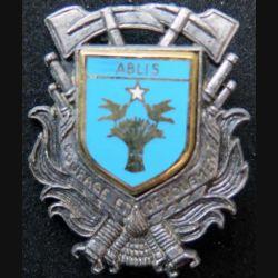 POMPIERS : insigne métallique des pompiers de Ablis de fabrication Ballard sur son cuir (4)