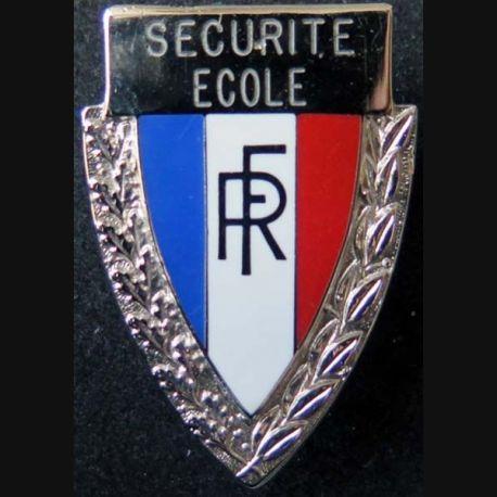 POLICE : insigne métallique de coiffure de la police nationale du service de la sécurité des écoles (6)