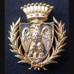 POLICE : insigne métallique étranger ??? sur son cuir (6)