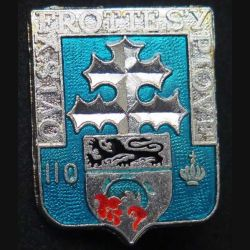 110° RI : insigne métallique du 110° Régiment d'infanterie de fabrication Ballard H. 114 finition argent translucide avec poinçon (13)