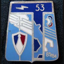 53° RT : insigne métallique du 53° régiment de transmissions de fabrication Ballard G. 2639 finition argent avec poinçon (13)