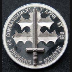 110° RI : insigne métallique de la CCAS compagnie de commandement et des services du 110° Régiment d'infanterie de fabrication Ballard