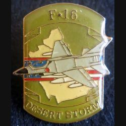 DESERT STORM : pin's métallique du F-16 Fighting Falcon de fabrication Sesa