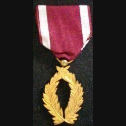 BELGIQUE : médaille des palmes de l'ordre de la Couronne belge en métal doré