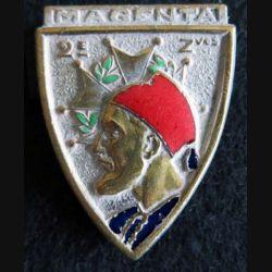 2° ZOUAVES : insigne métallique du 2° régiment de zouaves de fabrication Drago Paris H. 130 en émail