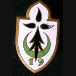 19° DI : insigne métallique de la 19° division d'Infanterie de fabrication Drago Paris G. 1212 en émail attache non conforme