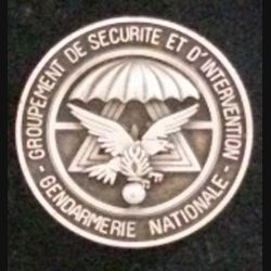 GSIGN : plaque de 3,5 cm de diamètre du Groupement de Sécurité et d'intervention de la gendarmerie Nationale de fabrication Boussemart